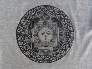 TSrt37 T-Shirt Mandala Yeux de Bouddha