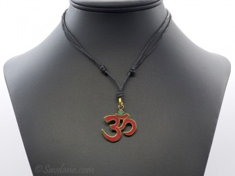 CD138 Collier Tibétain Om