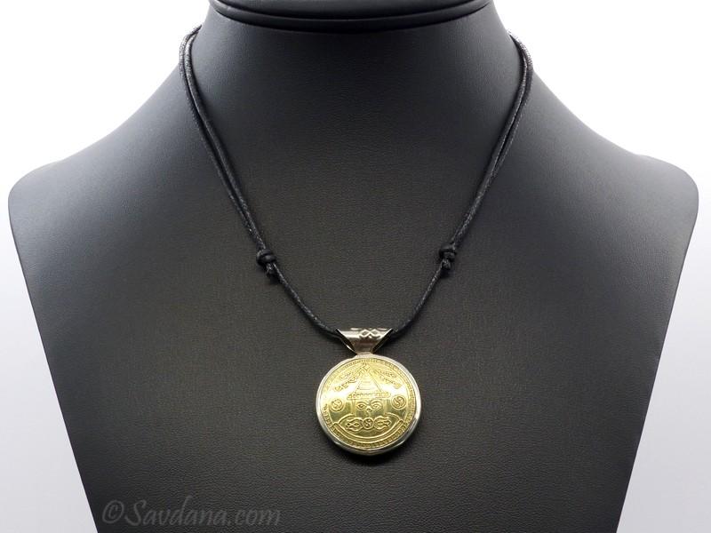 https://www.savdana.com/10298-thickbox_default/cd141-collier-tibetain-stupa-yeux-de-bouddha.jpg