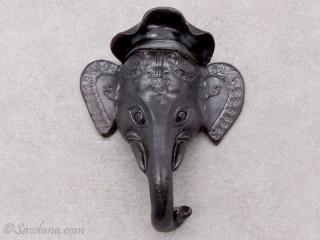 TCC63 Tête d'éléphant en terre cuite
