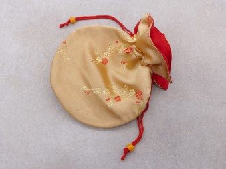 PochTib100 Petite Pochette Tibétaine pour Mala