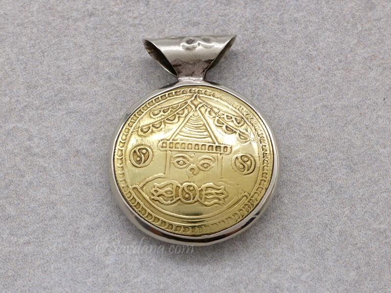 https://www.savdana.com/11677-thickbox_default/p84-pendentif-tibetain-stupa-yeux-de-bouddha.jpg