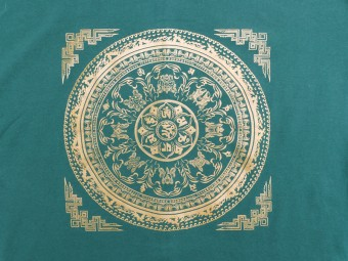 TSrt61 T-Shirt Mantra Mandala Signes Auspicieux