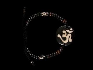 BrD75 Bracelet Tibétain Os de Buffle Om