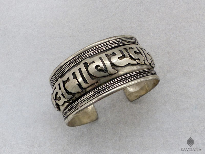 https://www.savdana.com/12889-thickbox_default/brd364-bracelet-tibetain-mantra.jpg