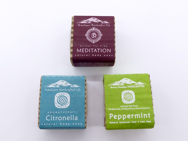 https://www.savdana.com/12998-thickbox_default/savon8-lot-de-3-savons-ayurvediques-du-nepal-citronnelle-menthe-poivree-meditation.jpg