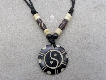 CD176 Collier Tibétain Yin Yang