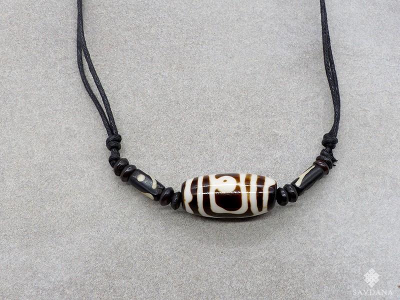 https://www.savdana.com/13680-thickbox_default/cd187-collier-tibetain-perle-dzi.jpg