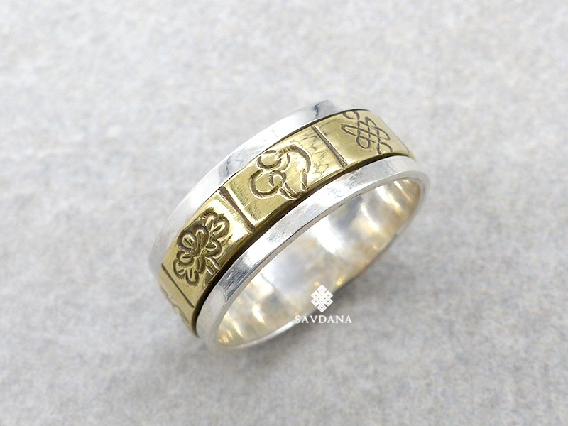 https://www.savdana.com/14561-thickbox_default/ba499-bague-tibetaine-en-argent-massif-laiton-astamangala.jpg