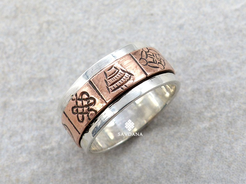 https://www.savdana.com/14566-thickbox_default/ba500-bague-tibetaine-en-argent-massif-cuivre-astamangala.jpg