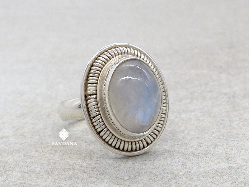 https://www.savdana.com/14582-thickbox_default/ba503-bague-argent-massif-pierre-de-lune-taille-54.jpg