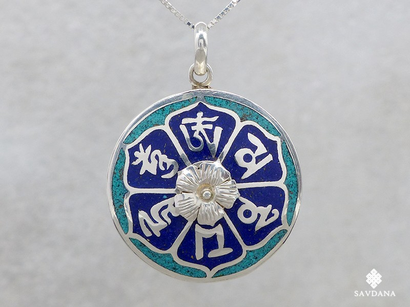 https://www.savdana.com/14662-thickbox_default/pa11-pendentif-argent-massif-mantra-turquoise-corail-lapis-lazuli-bijou-argent-bijou-bouddhiste-pendentif-bouddhiste.jpg