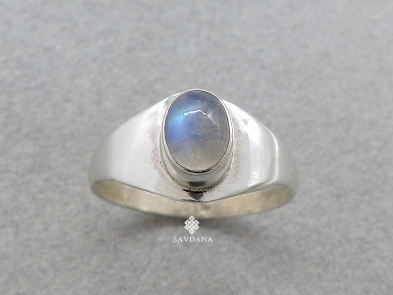 https://www.savdana.com/14915-thickbox_default/ba269-bague-argent-massif-pierre-de-lune-taille-62.jpg