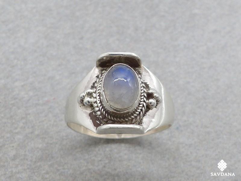 https://www.savdana.com/14919-thickbox_default/ba295-bague-argent-massif-pierre-de-lune-taille-57.jpg