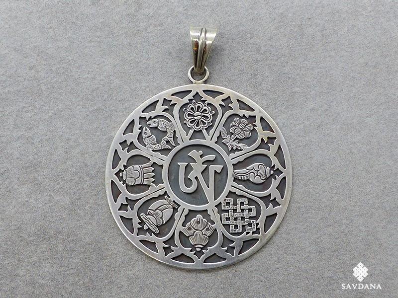 https://www.savdana.com/15035-thickbox_default/pa433-pendentif-argent-massif-om-astamangala.jpg