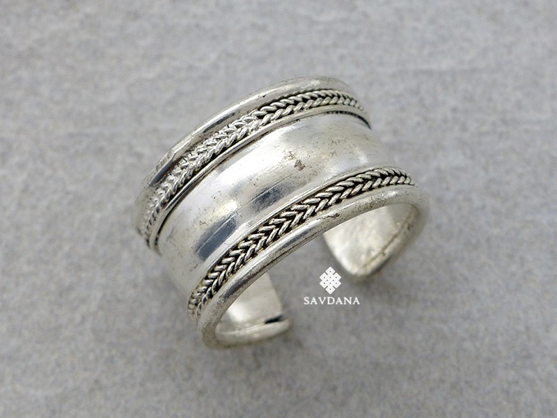 https://www.savdana.com/15782-thickbox_default/bgd127-bague-tibetaine-taille-reglable.jpg