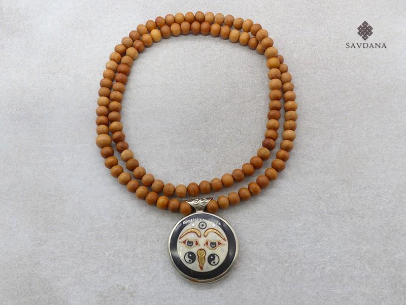 https://www.savdana.com/16004-thickbox_default/mala159-mala-de-prieres-tibetain-bois-de-santal-om-yeux-de-bouddha-yin-yang.jpg