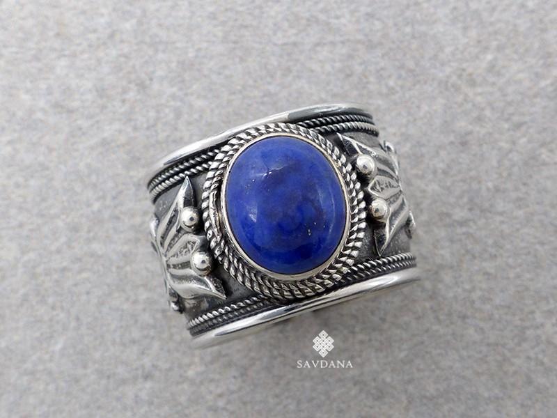 https://www.savdana.com/16285-thickbox_default/ba320-bague-tibetaine-argent-massif-pierre-lapis-lazuli-.jpg