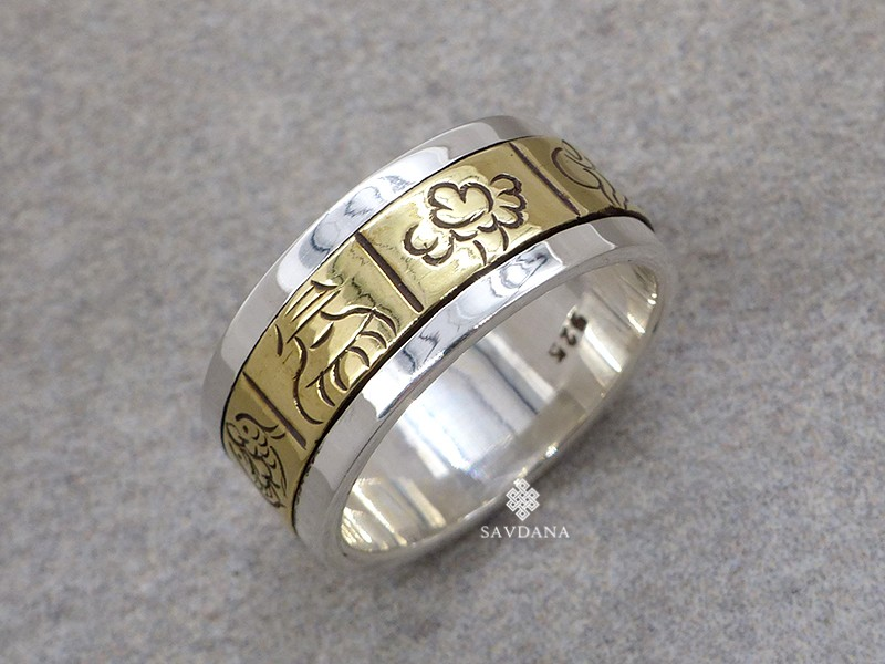 https://www.savdana.com/16306-thickbox_default/ba352-bague-tibetaine-en-argent-massif-laiton-astamangala.jpg