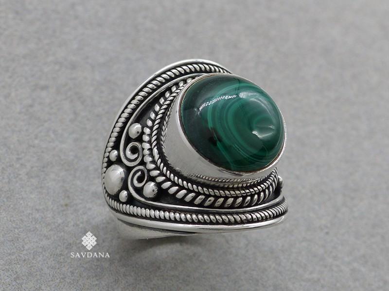 https://www.savdana.com/16346-thickbox_default/ba451-bague-argent-massif-malachite-taille-59.jpg
