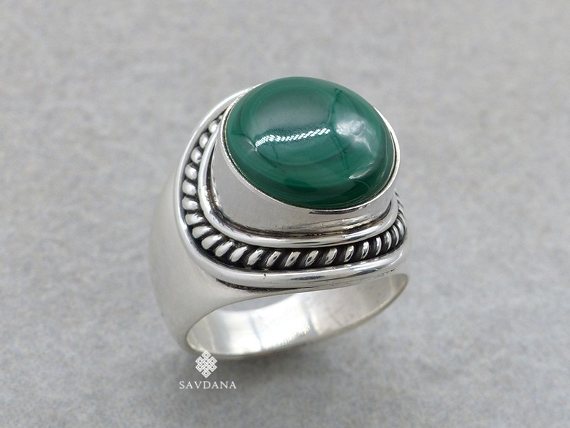 https://www.savdana.com/16347-thickbox_default/ba453-bague-argent-massif-malachite-taille-59.jpg