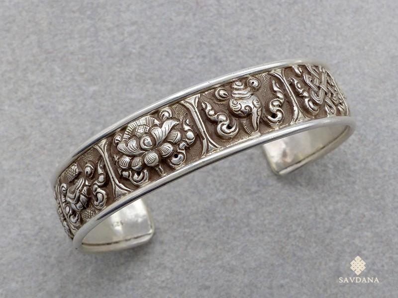 https://www.savdana.com/17119-thickbox_default/bra66-bracelet-tibetain-argent-massif-astamangala.jpg