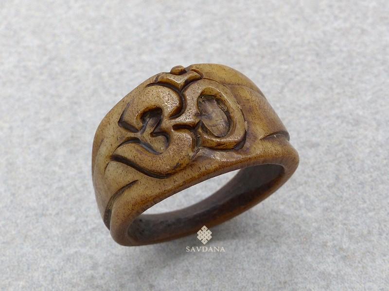 https://www.savdana.com/17247-thickbox_default/bo17-bague-tibetaine-os-de-buffle-om.jpg