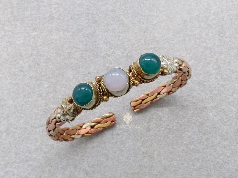 https://www.savdana.com/17324-thickbox_default/brd262-bracelet-3-metaux-pierres.jpg