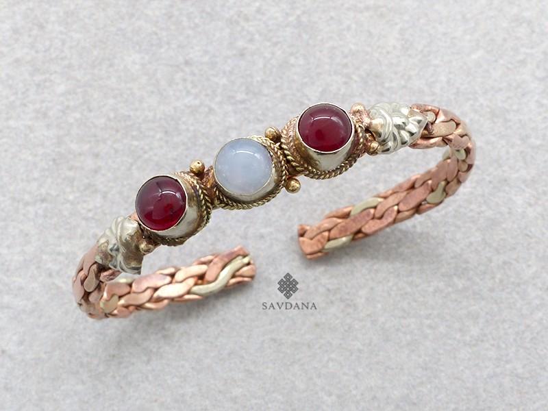 https://www.savdana.com/17327-thickbox_default/brd266-bracelet-3-metaux-pierres.jpg