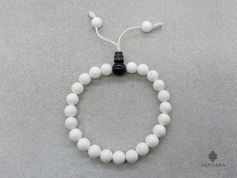 https://www.savdana.com/17396-thickbox_default/brmala318-bracelet-mala-de-prieres-tibetain-conque-onyx.jpg