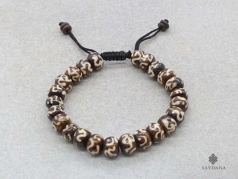 https://www.savdana.com/17401-thickbox_default/brmala354-bracelet-mala-de-prieres-tibetain-om-os-de-buffle.jpg