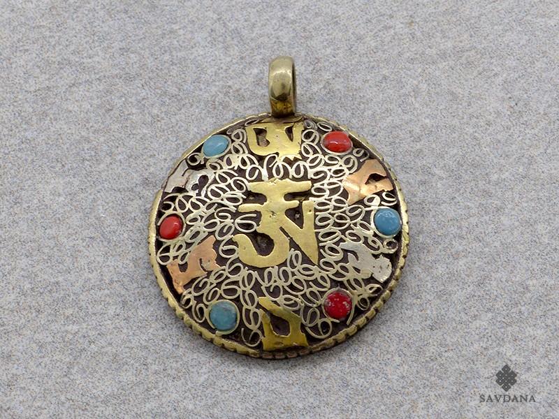 https://www.savdana.com/17478-thickbox_default/p06-pendentif-tibetain-mantra-om.jpg