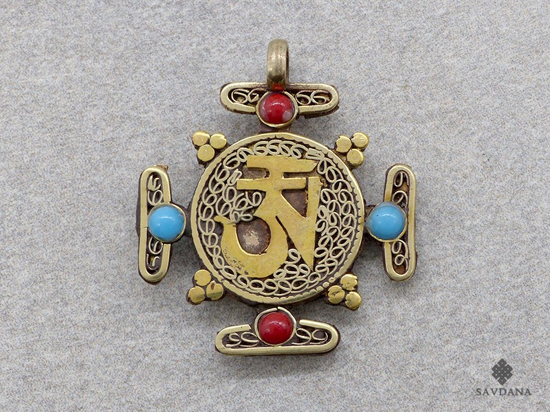 https://www.savdana.com/17480-thickbox_default/p09-pendentif-tibetain-mandala-om.jpg