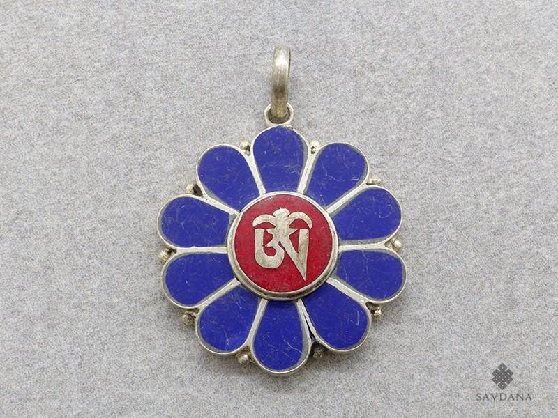 https://www.savdana.com/17503-thickbox_default/p67-pendentif-tibetain-om.jpg