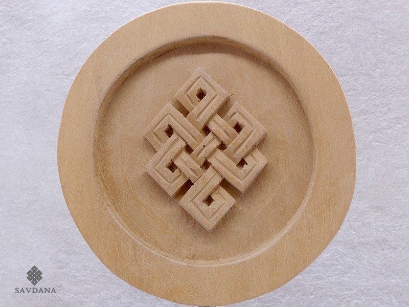 https://www.savdana.com/18325-thickbox_default/div65-sculpture-noeud-sans-fin.jpg