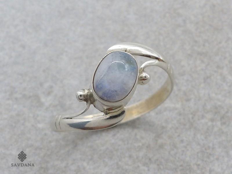 https://www.savdana.com/18557-thickbox_default/ba521-bague-argent-massif-pierre-de-lune-taille-63.jpg