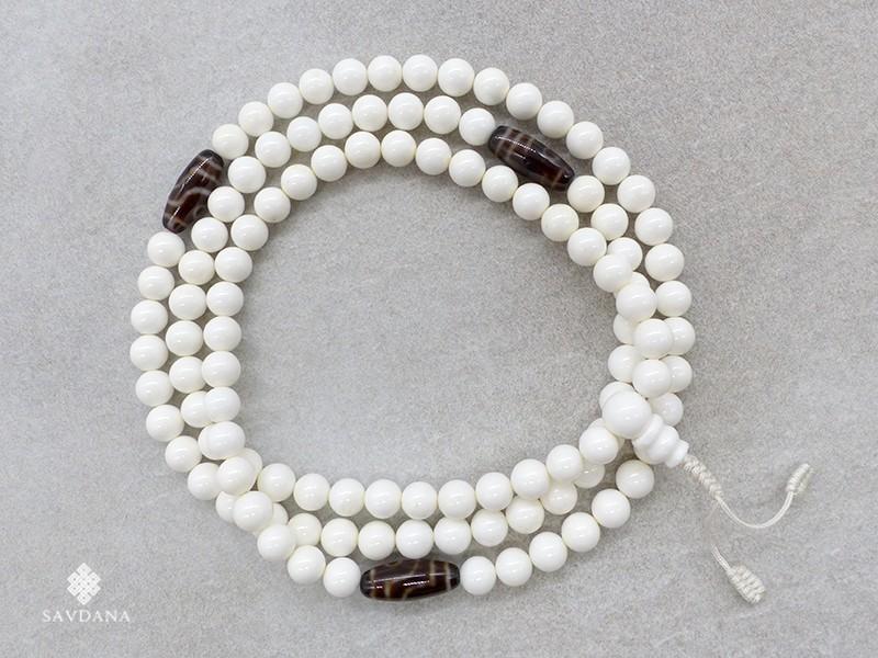 https://www.savdana.com/18828-thickbox_default/mala76-mala-de-prieres-tibetain-conque-perles-dzi.jpg