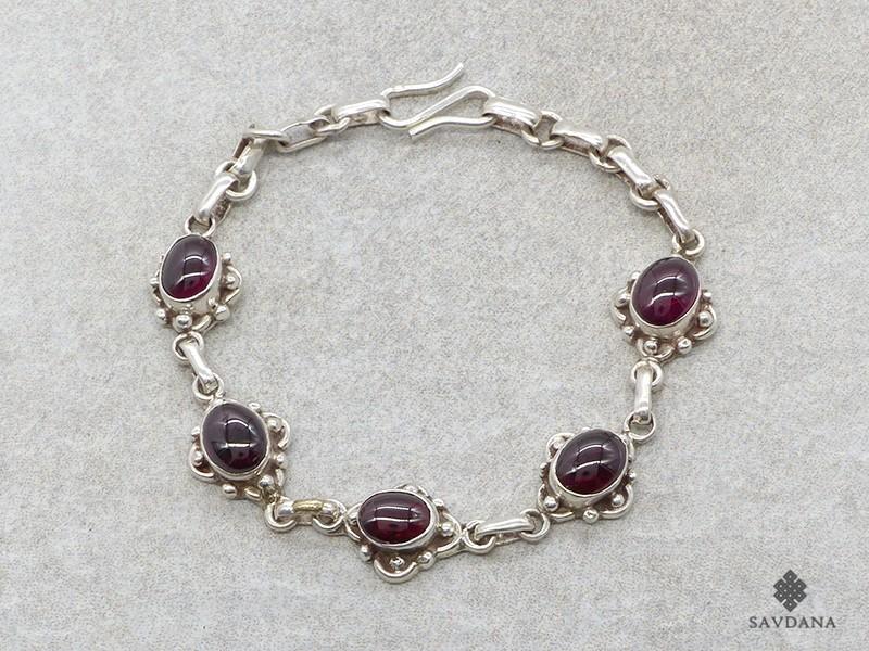 https://www.savdana.com/19187-thickbox_default/bra92-bracelet-argent-massif-grenat.jpg