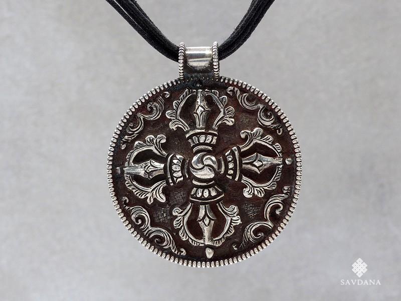 https://www.savdana.com/19940-thickbox_default/pa655-collier-pendentif-argent-massif-double-dorje.jpg