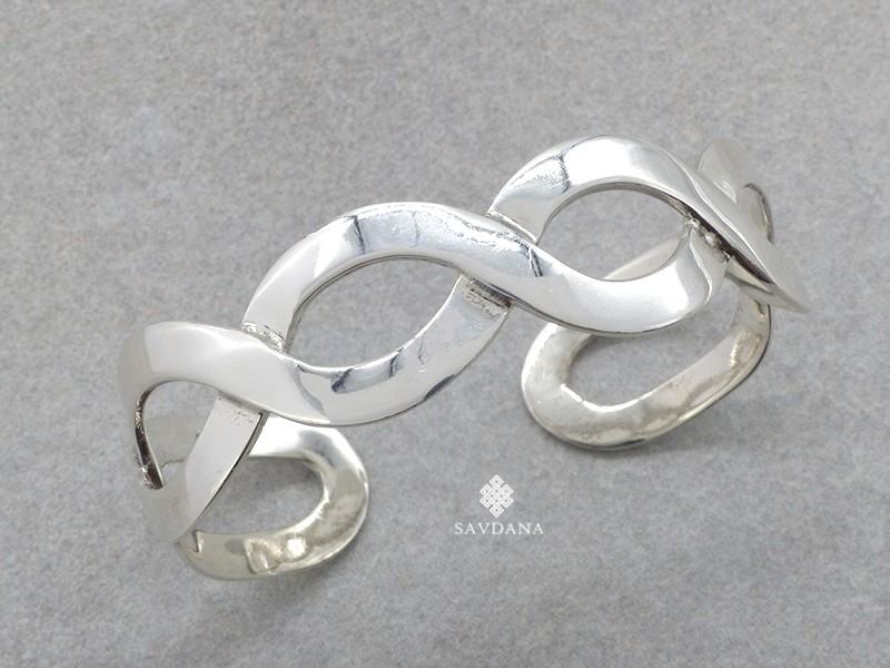 https://www.savdana.com/20781-thickbox_default/bra110-bracelet-tibetain-argent-massif.jpg