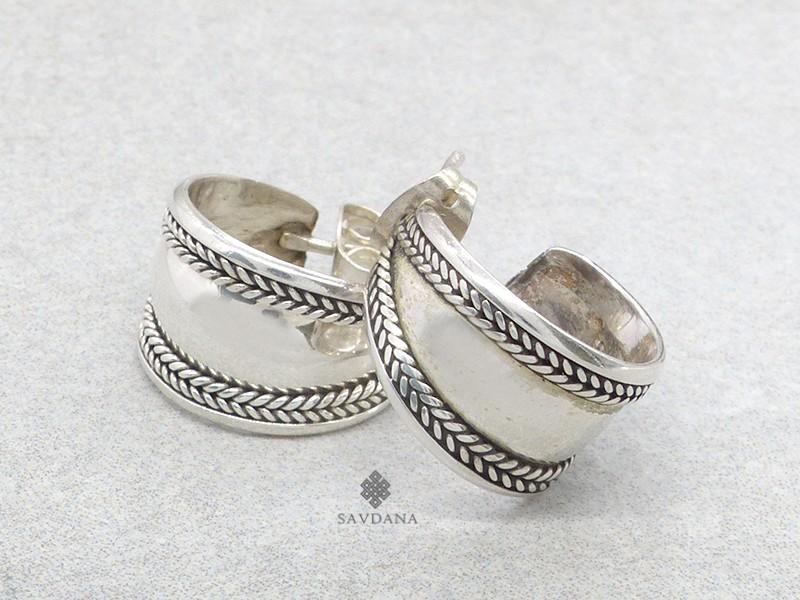 https://www.savdana.com/21031-thickbox_default/bdoa155-boucles-d-oreille-tibetaines-argent-massif.jpg