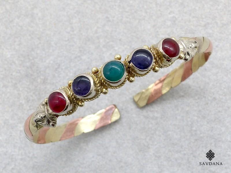 https://www.savdana.com/21146-thickbox_default/brd427-bracelet-3-metaux-pierres.jpg