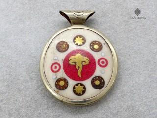 P115 Pendentif Tibétain Yeux de Bouddha Soleil Yin Yang