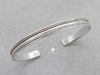 BrA143. Bracelet Tibétain Argent Massif