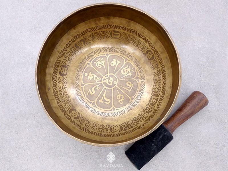 https://www.savdana.com/21421-thickbox_default/bc42-bol-chantant-tibetain-bouddha-mantra-yeux-de-bouddha.jpg