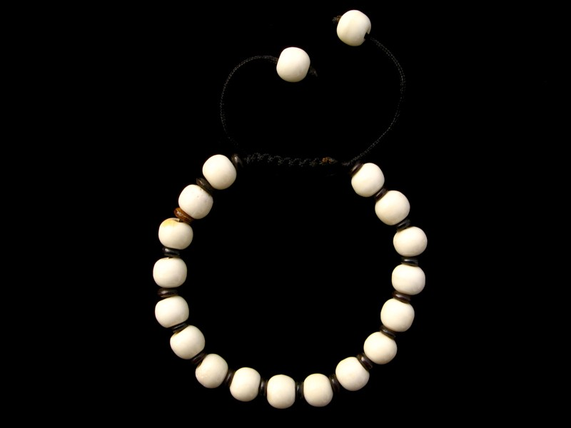 https://www.savdana.com/5003-thickbox_default/brmala325-bracelet-mala-de-prieres-tibetain-os-de-buffle.jpg