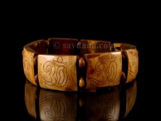 BrD203 Bracelet Tibétain Om