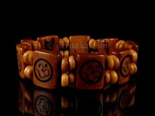 BrD204 Bracelet Tibétain Om
