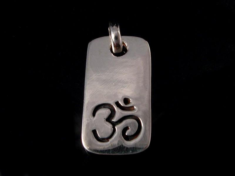 https://www.savdana.com/555-thickbox_default/pa305-pendentif-argent-massif-om-bijou-argent-bijou-bouddhiste-pendentif-bouddhiste.jpg