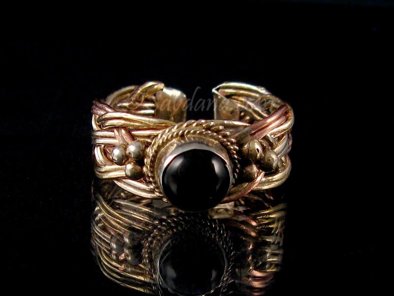https://www.savdana.com/6090-thickbox_default/bgd81-bague-tibetaine-cuivre-laiton-metal-argente-hematite.jpg